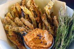 """Healthy fries paired with dairy-free, smoky, chipotle aioli will have everyone clamoring for more.""""> Healthy fries paired with dairy-free, smoky, chipotle aioli will have everyone c… Chipotle Aioli, Vegan Chipotle, Vegan Appetizers, Vegan Snacks, Vegan Dinners, Healthy Snacks, Vegan Gluten Free, Vegan Vegetarian, Dairy Free"""