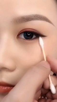 Anime Eye Makeup, Smoke Eye Makeup, Korean Eye Makeup, Eye Makeup Steps, Makeup Eye Looks, Eye Makeup Brushes, Eye Makeup Art, Eyebrow Makeup, Eyeshadow Makeup
