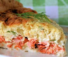 Make crustless for low carb.I think this is how I'm going to use my leftover salmon: Yummy & Healthy Cream Cheese Salmon Quiche Healthy Cooking, Cooking Recipes, Healthy Recipes, Delicious Recipes, Healthy Food, Healthy Eating, Quiche Recipes, Brunch Recipes, Brunch Ideas