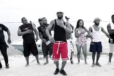 Fally Ipupa unveiled his clip video '' Eloko Oyo ''.Eloko Oyo-Fally Ipupa on Vibe Racine. African History, Clip, Music Videos, Knowledge, Wrestling, Songs, Drawing, Flower, Black
