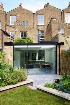 13 Coolest Modern Terrace And Outdoor Space Design Ideas – My Life Spot Glass Extension, House Extension Design, Roof Extension, House Design, Extension Ideas, Victorian Terrace House, Victorian Homes, Conservatory Kitchen, The Plan