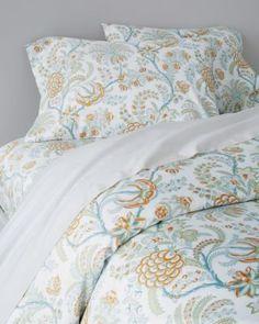 Signature Wrinkle-Resistant Lyon Floral Sateen Bedding