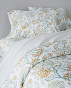 Signature Wrinkle-Resistant Lyon Floral Sateen Duvet Cover