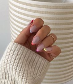 In summer I always like to wear a lot of color on my nails. Not only on my nails but my clothing too haha. So these super cool nails are perfect for upcoming spring and summer. They are colorful but… Summer Acrylic Nails, Best Acrylic Nails, Spring Nails, Autumn Nails, Acrylic French Manicure, Simple Acrylic Nails, Les Nails, Nagellack Trends, Minimalist Nails