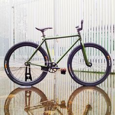 Quality bicycle with free worldwide shipping on AliExpress Bici Fixed, Bicycle Types, Cafe Racer Honda, Fixed Gear Bicycle, Push Bikes, Urban Bike, Speed Bike, Fat Bike