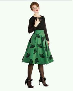 Love a flared skirt! Fan detail