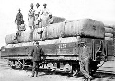 Best Wagons, Old Photos, Military Vehicles, South Africa, Mount Rushmore, Trains, Southern, Explore, Mountains