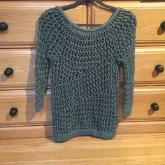THEORY CROTCHET SWEATER Green 100% Cotton THEORY Sweater. Unique, Intricate Pattern. . Never Worn. New. NWOT Theory Sweaters