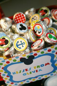 MM Clubhouse party: Hershey Kisses printable stickers