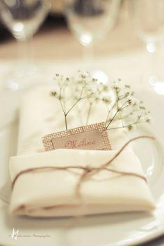 Ronde par cyane event design ainsi que le plan de table inspiring ideas for Wedding Napkins, Wedding Table, Rustic Wedding, Show Plates, Italian Wedding Cookies, Wedding Place Cards, Event Design, Design Design, Wedding Designs
