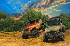 #Jeeps taking on the tough trails. #OffRoad #Adventure #Explore #4x4 #Modern #RoughandTumble