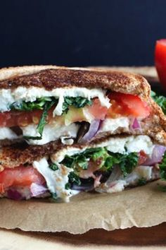 Step up your sandwich game with this Mediterranean Grilled Cheese Sandwich! Feta, tomatoes and olives come together to form this healthy & filling sandwich. Kale Recipes, Lunch Recipes, Vegetarian Recipes, Cooking Recipes, Healthy Recipes, Vegetarian Options, Simple Recipes, Tostadas, Tacos