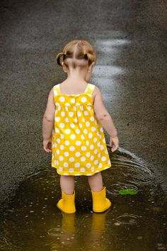 Clarion County Photo of the Day: Serena Playing in the Rain Little People, Little Ones, Little Girls, Precious Children, Beautiful Children, Baby Kind, Baby Love, Baby Baby, Cute Kids