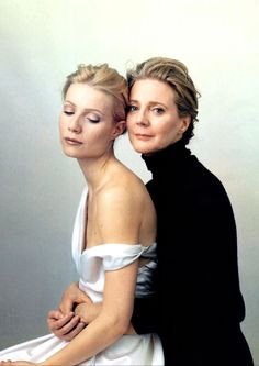 Mother & Daughter portrait. Gwyneth Paltrow & Blythe Danner by Annie Leibovitz