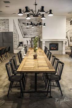 meble industrialne stół drewniany ze starego drewna