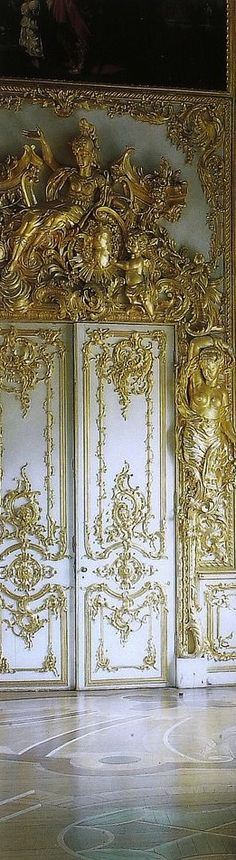 Metallic gold and white door of The Versailles Royal Palace, around 12 and a half miles west from Paris - France. Chateau Versailles, Palace Of Versailles, Architecture Baroque, Architecture Details, Windows Architecture, The Doors, Windows And Doors, Rue Rivoli, Templer