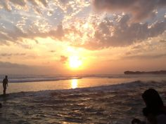 Keindahan sunset di Pantai Indrayanti