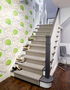 charcoal grey instead of usual dark brown Painted Banister Design, Pictures, Remodel, Decor and Ideas - page 3 - My-House-My-Home Painted Banister, Painted Staircases, Banisters, Stair Treads, Railings, Staircase Painting, Wallpaper Staircase, Black And White Stairs, White Staircase