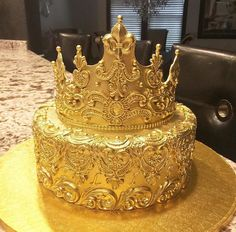 c6f8e6b14e690c17c8a5f5d498b4cbf0  birthday cake crown th birthday cake ideas - Royal Wedding 19th May