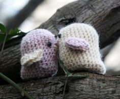 Love is in the air with these magical kissing love birds! These adorable love birds are crocheted with magnets tucked inside to make them super smoochy. You won't be able to stop playing with these darling birdies and testing their magnetic attractions. The perfect gift for Valentine's Day, or any day you want to inspire your loved one to engage in some smooching too!
