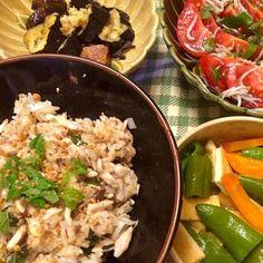 切り身と一緒に茄子グリル、鍋焼きうどん残り汁で万願寺煮付け、リコピントマトにオリーブオイルとポン酢。 - 10件のもぐもぐ - 塩鯖切り身小さいので、混ぜご飯に。ネギ、シソ、ゴマ、醤油、ゴマ油混ぜ混ぜ。 by hiromange