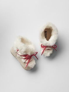 Cozy lace-up booties Product Image