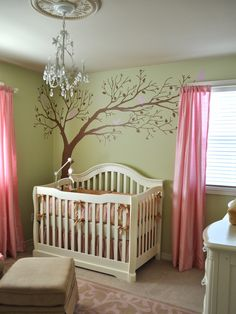 i will definitely paint a tree for my baby one day