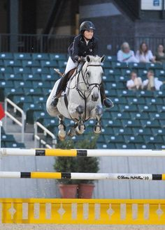 Reed Kessler and Onisha in the 1.40m Speed at Kentucky