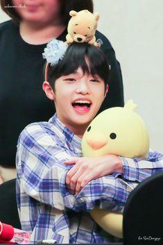 W gigit u y woi? Please Love Me, Kpop Boy, My Sunshine, Cute Babies, Eye Candy, Sons, Pokemon, China, Baby