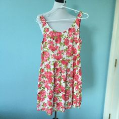 Pink Rose Dress Beautiful loose-fitting pink floral dress with roses, very comfortable, NWOT from h&m H&M Dresses