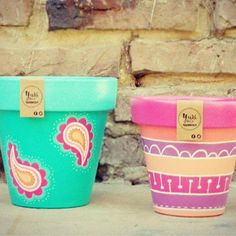 trendy home garden wedding floral design Flower Pot Crafts, Clay Pot Crafts, Diy And Crafts, Painted Clay Pots, Painted Flower Pots, Pots D'argile, Flower Pot Design, Floral Design, Posca