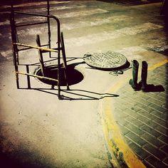 """""""Desciende al cráter del Yocul de Sneffels que la sombra del Scartaris acaricia antes de las calendas de Julio, audaz viajero, y llegarás al centro de la tierra, como he llegado yo"""". Ame Saknussemm. (""""Viaje al centro de La Tierra"""", Julio Verne) - @murcielaguillo"""