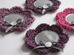 Diy Accessories, Decorative Accessories, Easy Handmade Gifts, Pacifier Holder, Crafts To Do, Colorful Flowers, Embellishments, Knit Crochet, Crochet Earrings