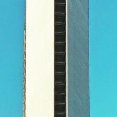 Bands #geometries #semplicity #lookingup #architecture #architecturelovers #architectureminimal #minimal #minimalmood #rsa_minimal #igersmilano #igerslombardia #igersitalia #photooftheday #vscocam #snapseed