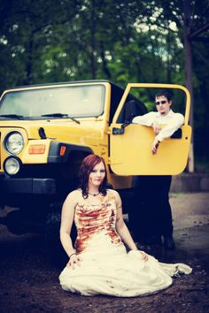 Bellagala Photographer Did An Awesome Job With This Trash The Dress Session Trashthedressphotography