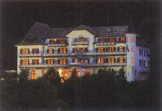 Credo Schloss Unspunnen, bei Nacht, Wilderswil bei Interlaken, Berner Oberland, Suisse, Schweiz, Switzerland. www.vch.ch/credo/