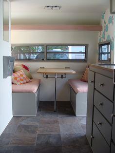 insane vintage rv decoration ideas - nancey news Mobile Living, Rv Living, Airstream, Glamping, Vintage Rv, Vintage Campers, Rv Redo, Camper Makeover, Camper Renovation