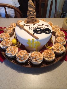 Harry Potter Cake And Butter Beer Cupcakes