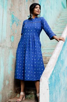 You will love the style and comfort of this Indigo cotton kurta with all over bandhani tie and dye. Contrasting mustard piping and knife pleats in front add to the playfulness of the dress. Draped Dress, Ruffle Dress, Cherry Blossom Dress, Maroon Jacket, Tie Dye Maxi, Dress Tutorials, Chambray Dress, Blue Maxi, Saree Dress
