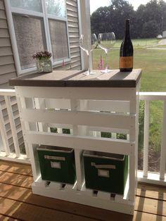 Patio Bar Plans Backyards New Ideas Diy Garden Furniture, Diy Pallet Furniture, Diy Garden Decor, Diy Home Decor, Furniture Sets, Diy Outdoor Bar, Diy Patio, Backyard Patio, Outdoor Decor