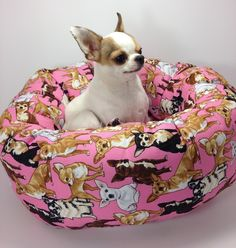Group One Dog Gallery® Handcrafts each one of our Round Pet Beds one at a time. We have designed this with an amazingly soft padded Fleece bottom for orthopedic care your pet's lounging in mind. Stron