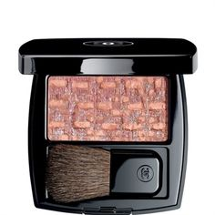 The best blush/bronzer combination: Les Tissages de Chanel