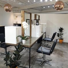 """Gefällt 215 Mal, 37 Kommentare - ORANGE COUNTY HAIR SALON (@wheelerdavis_salon) auf Instagram: """"•Love is in the CHAIR• Isn't it true that so many of us look forward to our hair appointments- We…"""""""