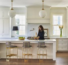 ideas white wood kitchen island vent hood for 2019 White Wood Kitchens, Gold Kitchen, Elegant Kitchens, Kitchen Island Vent, Wood Kitchen Cabinets, White Cabinets, Cream Cabinets, Modern Colonial, Kitchen Colors