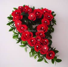 Red roses in a heart Unique Flower Arrangements, Funeral Flower Arrangements, Funeral Flowers, Church Flowers, Grave Decorations, Diy Wedding Decorations, Flower Spray, My Flower, Dried Flower Bouquet