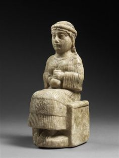 "Female Figure Called the ""Wo-man Aryballos""  Neo-Sumerian period (ca 2150-2000 BC) Alabaster Photo © Musée du Louvre, Dist. RMN-Grand Palais/ Thierry Ollivier"
