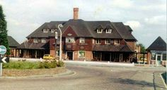 The St Helier Arms, Middleton Road, Carshalton. Old London, West London, Sutton England, Old Photos, Vintage Photos, Sutton Surrey, Greater London, Croydon, Local History