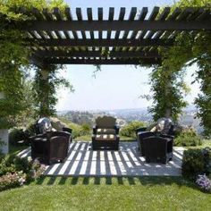 Check out these exquisite modern pergola design ideas for inspiration. You will find plenty of interesting pergola design ideas here Building A Pergola, Pergola With Roof, Wooden Pergola, Covered Pergola, Outdoor Pergola, Backyard Pergola, Pergola Plans, Outdoor Rooms, Backyard Landscaping