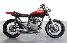 1978 Yamaha XS 650 - Spirit III Flat-Tracker by Spirit of the Seventies Yamaha 650, Motos Yamaha, Yamaha Motorcycles, Custom Motorcycles, Flat Track Racing, Brat Bike, Sr500, Flat Tracker, Japanese Motorcycle
