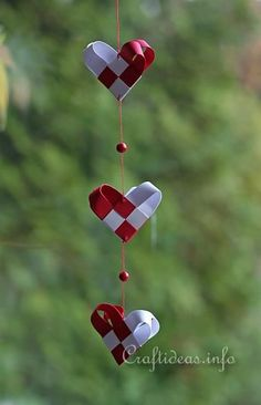 Woven Paper Christmas Hearts Mobile 400